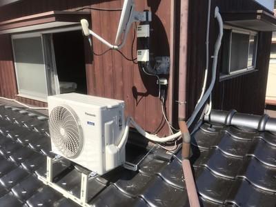 室外機屋根置き工事