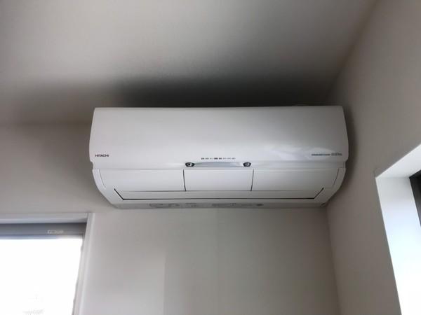 新築エアコン工事の外部との取り合い